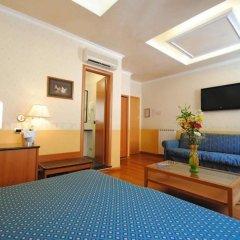 Отель Verona-Rome Италия, Рим - 10 отзывов об отеле, цены и фото номеров - забронировать отель Verona-Rome онлайн