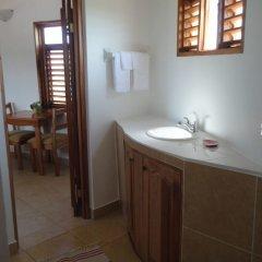 Отель Kudehya Guesthouse Ямайка, Треже-Бич - отзывы, цены и фото номеров - забронировать отель Kudehya Guesthouse онлайн ванная