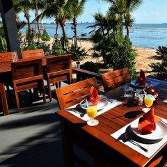 Отель Golden Dragon Beach Pattaya Таиланд, Бангламунг - отзывы, цены и фото номеров - забронировать отель Golden Dragon Beach Pattaya онлайн приотельная территория фото 2