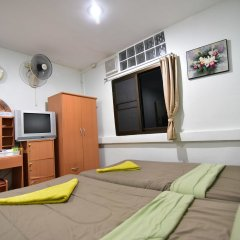 Отель Chaiwat Guesthouse комната для гостей