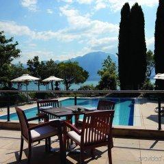 Отель Fairmont Le Montreux Palace бассейн