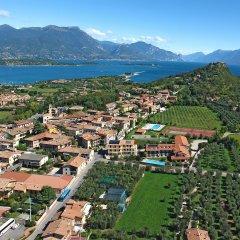 Отель Splendid Sole Манерба-дель-Гарда приотельная территория