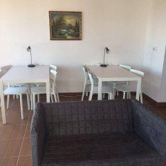 Отель Residencias Varadouro Португалия, Мадалена - отзывы, цены и фото номеров - забронировать отель Residencias Varadouro онлайн комната для гостей фото 3