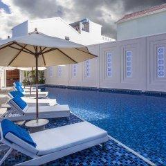 Отель Cozy Hoian Boutique Villas бассейн
