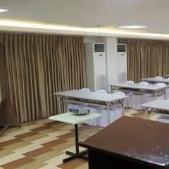 Отель Century Plaza Hotel Филиппины, Себу - отзывы, цены и фото номеров - забронировать отель Century Plaza Hotel онлайн питание фото 2