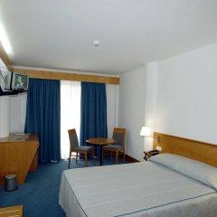 Отель Comfort Inn Ponta Delgada Португалия, Понта-Делгада - отзывы, цены и фото номеров - забронировать отель Comfort Inn Ponta Delgada онлайн комната для гостей фото 3
