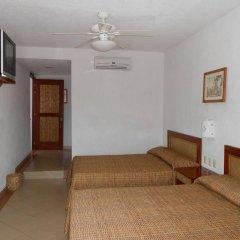 Hotel Suites Ixtapa Plaza комната для гостей фото 3