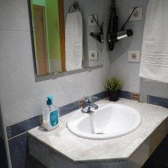 Отель Hostal Mont Thabor ванная