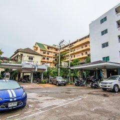 Отель Sutus Court 4 парковка
