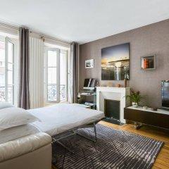 Отель onefinestay - Bastille Apartments Франция, Париж - отзывы, цены и фото номеров - забронировать отель onefinestay - Bastille Apartments онлайн комната для гостей фото 2