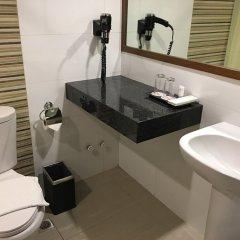 Отель Waterfront Pavilion Hotel and Casino Manila Филиппины, Манила - отзывы, цены и фото номеров - забронировать отель Waterfront Pavilion Hotel and Casino Manila онлайн ванная фото 2