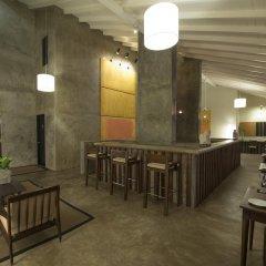 Отель Taru Villas-Lake Lodge Шри-Ланка, Коломбо - отзывы, цены и фото номеров - забронировать отель Taru Villas-Lake Lodge онлайн гостиничный бар