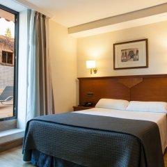 Alixares Hotel сейф в номере