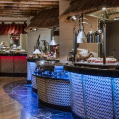 Отель Crowne Plaza Dubai Deira питание