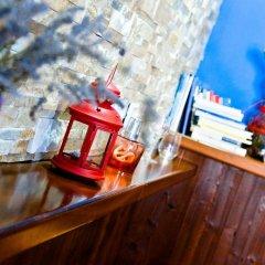 Отель Campo Base Монжове гостиничный бар
