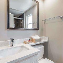 Отель Travelodge by Wyndham Berkeley США, Беркли - отзывы, цены и фото номеров - забронировать отель Travelodge by Wyndham Berkeley онлайн ванная фото 2