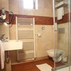 Отель Alfred Чехия, Карловы Вары - отзывы, цены и фото номеров - забронировать отель Alfred онлайн ванная
