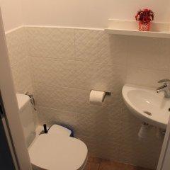 Отель Kolorowa Guest Rooms ванная фото 2
