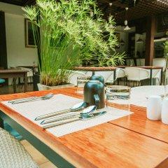 Отель Baan Khao Hua Jook питание