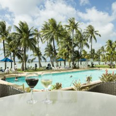 Отель Fiesta Resort Тамунинг бассейн