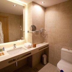 Отель M.A. Sevilla Congresos Испания, Севилья - 1 отзыв об отеле, цены и фото номеров - забронировать отель M.A. Sevilla Congresos онлайн ванная