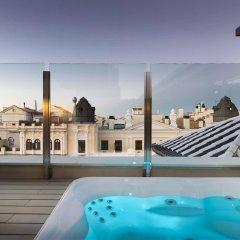 Отель Catalonia Gran Via бассейн