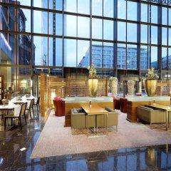 Отель Eurostars Berlin Германия, Берлин - 8 отзывов об отеле, цены и фото номеров - забронировать отель Eurostars Berlin онлайн интерьер отеля фото 2