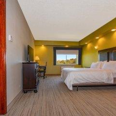 Отель Holiday Inn Express Stony Brook сейф в номере