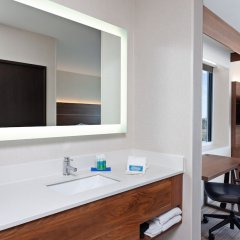 Отель Holiday Inn Express Los Angeles Airport, an IHG Hotel США, Лос-Анджелес - 9 отзывов об отеле, цены и фото номеров - забронировать отель Holiday Inn Express Los Angeles Airport, an IHG Hotel онлайн фото 2