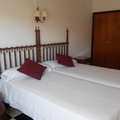 Отель Hostal Cas Bombu комната для гостей
