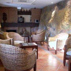 Отель La Higuera Испания, Гуэхар-Сьерра - отзывы, цены и фото номеров - забронировать отель La Higuera онлайн гостиничный бар
