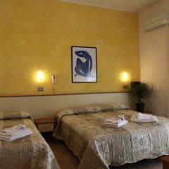 Отель Arabesco Римини сейф в номере