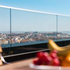 Отель InterContinental Lisbon бассейн