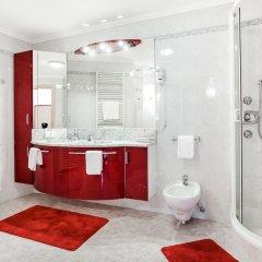 Отель Das Bergland - Vital & Activity Италия, Горнолыжный курорт Ортлер - отзывы, цены и фото номеров - забронировать отель Das Bergland - Vital & Activity онлайн ванная фото 2