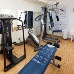 Hotel Royal Plaza фитнесс-зал фото 4