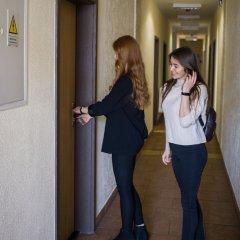 Отель Nearby Airport Hostel Польша, Варшава - отзывы, цены и фото номеров - забронировать отель Nearby Airport Hostel онлайн интерьер отеля