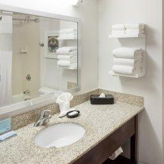 Отель Hampton Inn Gateway Arch Downtown ванная