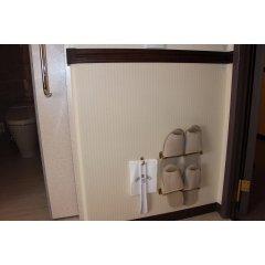 Отель Toyoko Inn Gifu-Hashima-Eki Shinkansen Minami-Guchi Хашима сейф в номере