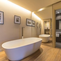 Отель Campo Marzio Luxury Suites ванная фото 3