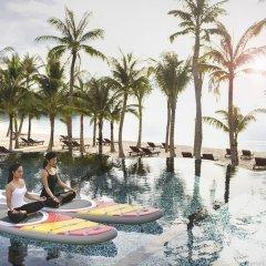 Отель JW Marriott Phu Quoc Emerald Bay Resort & Spa фитнесс-зал фото 3