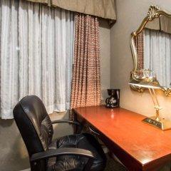 Отель La Quinta Inn & Suites New York City Central Park удобства в номере