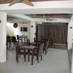 Отель Beachwood at Maafushi Island Maldives питание фото 3