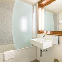 Отель Campanile Toulouse Sesquieres Франция, Тулуза - 1 отзыв об отеле, цены и фото номеров - забронировать отель Campanile Toulouse Sesquieres онлайн ванная фото 2