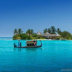 Отель Four Seasons Resort Maldives at Kuda Huraa фото 3