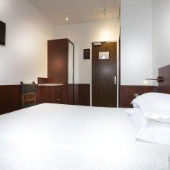 Odéon Hotel сейф в номере