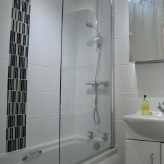 Отель Modern 3 Bedroom House in Northen Quarter ванная