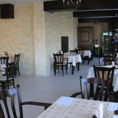 Отель Family Hotel Bela Болгария, Трявна - отзывы, цены и фото номеров - забронировать отель Family Hotel Bela онлайн питание