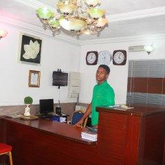 Ann's Haven Hotel & Suites интерьер отеля