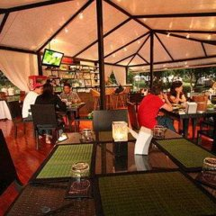 Отель Khao Kheaw es-ta-te Camping Resort & Safari гостиничный бар