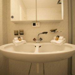 Отель Spenglers Inn Швейцария, Давос - отзывы, цены и фото номеров - забронировать отель Spenglers Inn онлайн ванная